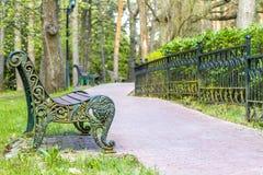 πάρκο πάγκων ξύλινο Στοκ Φωτογραφία