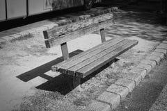 πάρκο πάγκων ξύλινο Στοκ Φωτογραφίες