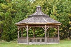 πάρκο gazebo ξύλινο Στοκ φωτογραφία με δικαίωμα ελεύθερης χρήσης