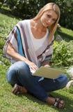 πάρκο lap-top στοκ φωτογραφία με δικαίωμα ελεύθερης χρήσης