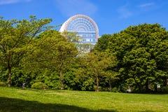 Πάρκο Leopold και μια οικοδόμηση του Ευρωπαϊκού Κοινοβουλίου Στοκ φωτογραφίες με δικαίωμα ελεύθερης χρήσης