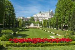 Πάρκο Volksgarten και θέατρο Burg στη Βιέννη, Αυστρία στοκ εικόνες