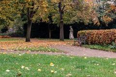 Πάρκο VyÅ ¡ ehrad, το φθινόπωρο, Πράγα, Δημοκρατία της Τσεχίας Στοκ εικόνα με δικαίωμα ελεύθερης χρήσης