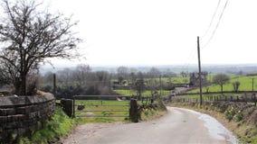 Πάροδος επαρχίας - λόφοι & δρόμος περιπλάνησης - φυσικά άγρια αγγλικά υπόβαθρα φιλμ μικρού μήκους