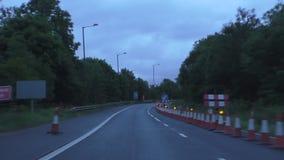 Πάροδος παρακαμπτήριων οδών αυτοκινητόδρομων που κλείνουν για τις επισκευές απόθεμα βίντεο