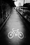 Πάροδος ποδηλάτων κατά μήκος του καναλιού σε Khlong Saen Saeb Μπανγκόκ Thailan στοκ εικόνα
