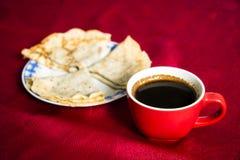 Πάρτε μια εικόνα των φλυτζανιών καφέ στοκ εικόνα