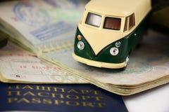 Πάρτε μια διακινούμενη περιπέτεια Journey Destination Van Concept γύρου Στοκ Φωτογραφία