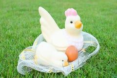Πάσχα, αυγά και κοτόπουλο Στοκ Εικόνα
