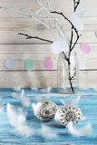 Πάσχα ευτυχές Χρωματισμένα doodle αυγά Πάσχας στο μπλε υπόβαθρο Στοκ φωτογραφίες με δικαίωμα ελεύθερης χρήσης