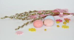 Πάσχα Κλάδοι ιτιών με τα αυγά Στοκ φωτογραφία με δικαίωμα ελεύθερης χρήσης