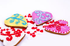 Πάσχα cokkie Μπισκότα Πάσχας μελοψωμάτων στη μορφή της καρδιάς Άσπρη ανασκόπηση Στοκ Εικόνες