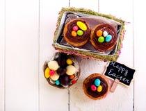Πάσχα cupcakes με τη σοκολάτα Στοκ Εικόνες