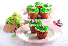Πάσχα cupcakes με το κάλυμμα Στοκ Εικόνα