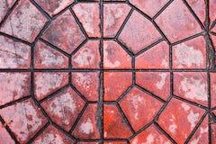 Πάτωμα με τα κόκκινα κεραμίδια πετρών Στοκ εικόνα με δικαίωμα ελεύθερης χρήσης