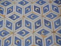 Πάτωμα μωσαϊκών με τα ημισεληνοειδή φεγγάρια Στοκ φωτογραφία με δικαίωμα ελεύθερης χρήσης