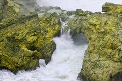 Πάλη βράχου και νερού στοκ εικόνα με δικαίωμα ελεύθερης χρήσης