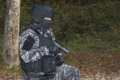 Πάλη ενάντια στην τρομοκρατία, στρατιώτης ειδικών δυνάμεων στοκ φωτογραφία με δικαίωμα ελεύθερης χρήσης