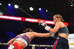 Πάλη μεταξύ Ewa Piatkowska και της Αλεξάνδρα Magdziak Lopes Στοκ Εικόνες