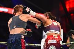Πάλη μεταξύ Ewa Piatkowska και της Αλεξάνδρα Magdziak Lopes Στοκ Φωτογραφία