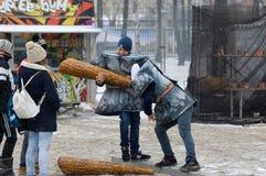 Πάλη στα μεγάλα ραβδιά Στοκ εικόνα με δικαίωμα ελεύθερης χρήσης