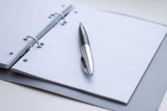 πέννα σημειωματάριων Στοκ φωτογραφία με δικαίωμα ελεύθερης χρήσης