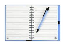 πέννα σημειώσεων βιβλίων η ανασκόπηση απομόνωσε το λευκό Στοκ εικόνες με δικαίωμα ελεύθερης χρήσης