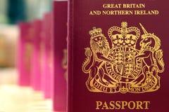 Πέντε βρετανικά βιομετρικά διαβατήρια q της Ηνωμένης Ευρωπαϊκής Ένωσης Στοκ Φωτογραφίες