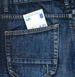 Πέντε ευρώ σε μια πίσω τσέπη τζιν Στοκ Εικόνα