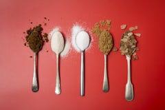 Πέντε κουταλάκια του γλυκού της ζάχαρης ημερησίως για τα παιδιά Στοκ εικόνα με δικαίωμα ελεύθερης χρήσης