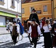 Πέντε-με πέταλα αυξήθηκε φεστιβάλ σε Cesky Krumlov στο τσεχικό Republ Στοκ εικόνα με δικαίωμα ελεύθερης χρήσης
