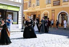 Πέντε-με πέταλα αυξήθηκε φεστιβάλ στο bystreet σε Cesky Krumlov, τσεχικά Στοκ Εικόνες