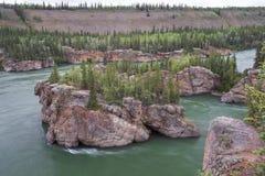 Πέντε ορμητικά σημεία ποταμού δάχτυλων σε Yukon στοκ φωτογραφίες