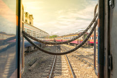 πέρασμα διαδρομών σιδηροδρόμου Στοκ Εικόνες