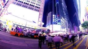Πέρασμα κόλπων υπερυψωμένων μονοπατιών. Νύχτα Timelapse Χονγκ Κονγκ. απόθεμα βίντεο