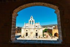 Πέρασμα στη δυτική πύλη στο μοναστήρι Arkadi, Arkadi, Κρήτη, Ελλάδα Στοκ εικόνες με δικαίωμα ελεύθερης χρήσης