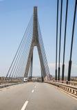 Πέρασμα της διεθνούς γέφυρας μεταξύ της Ισπανίας και της Πορτογαλίας Στοκ φωτογραφία με δικαίωμα ελεύθερης χρήσης