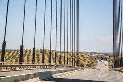 Πέρασμα της διεθνούς γέφυρας μεταξύ της Ισπανίας και της Πορτογαλίας Στοκ Εικόνα