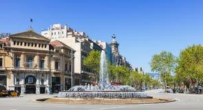 Πέρασμα της οδού Gran μέσω de les Corts Catalanes και Passeig Στοκ Εικόνες