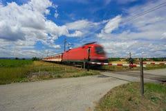 πέρασμα του σιδηροδρόμο&upsi Στοκ Εικόνα