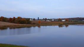 Πέρα από τη λίμνη Στοκ φωτογραφία με δικαίωμα ελεύθερης χρήσης