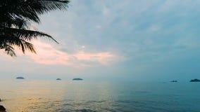 πέρα από το ηλιοβασίλεμα θάλασσας