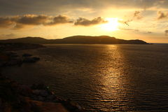 πέρα από το ηλιοβασίλεμα θάλασσας Στοκ φωτογραφίες με δικαίωμα ελεύθερης χρήσης