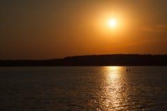 πέρα από το ηλιοβασίλεμα π&o Στοκ Εικόνες
