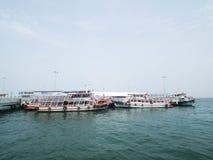 Πέρα από το πορθμείο ποταμών από Pattaya Koh Larn Σε Pattaya, Thailan στοκ εικόνες