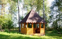 Πέργκολα στο δάσος Στοκ φωτογραφία με δικαίωμα ελεύθερης χρήσης
