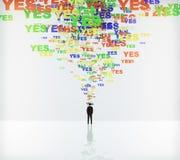 Πέστε ναι την έννοια με ναι τις λέξεις και τον επιχειρηματία Στοκ Φωτογραφία