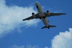 Πέταγμα αεροσκαφών Στοκ εικόνα με δικαίωμα ελεύθερης χρήσης