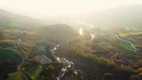 Πέταγμα κατά μήκος του ποταμού Dhiarizos Περιοχή της Πάφος, Κύπρος φιλμ μικρού μήκους