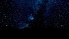 Πέταγμα μέσω των τομέων αστεριών στο βαθύ διάστημα Μαγικά τρέμοντας σημεία ή καμμένος πετώντας γραμμές Ζωτικότητα του άνευ ραφής  απεικόνιση αποθεμάτων